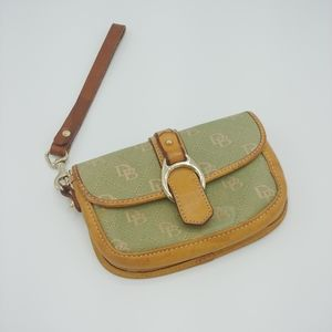 Vintage Dooney and Bourke Green Wristlet